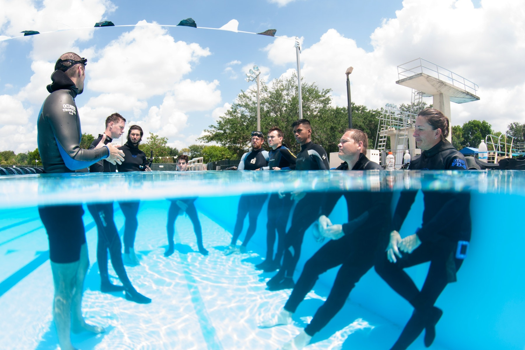 Pool briefing during the level 1 freediver