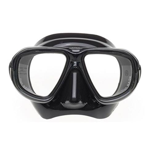 A freediving mask